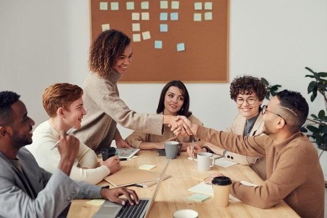 Full meeting room - Desk booking